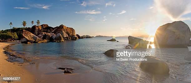 tropical beach - islas de virgin gorda fotografías e imágenes de stock