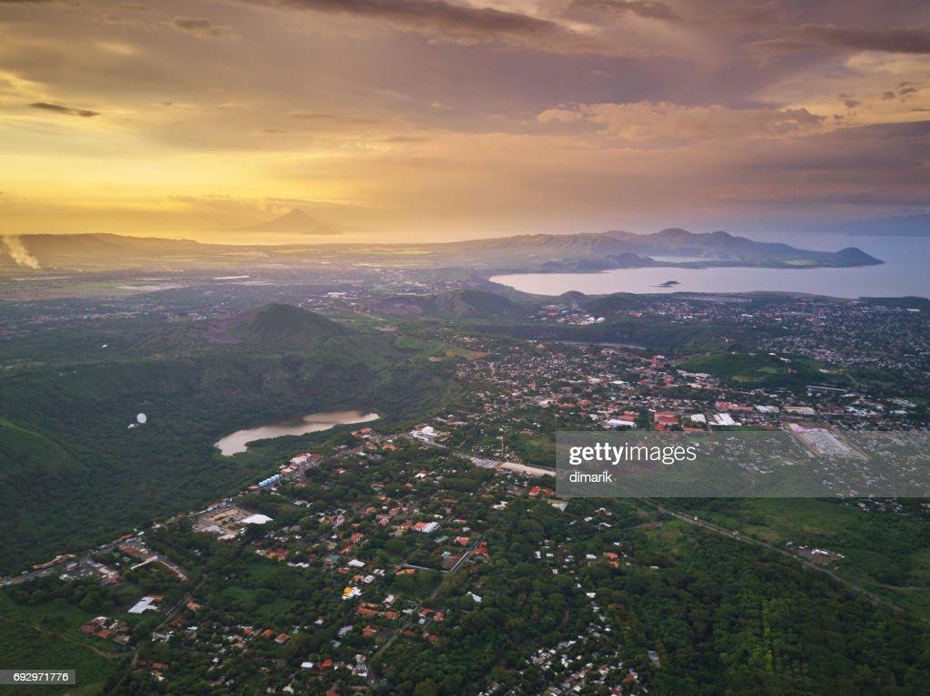 Tropiska staden landskap : Bildbanksbilder
