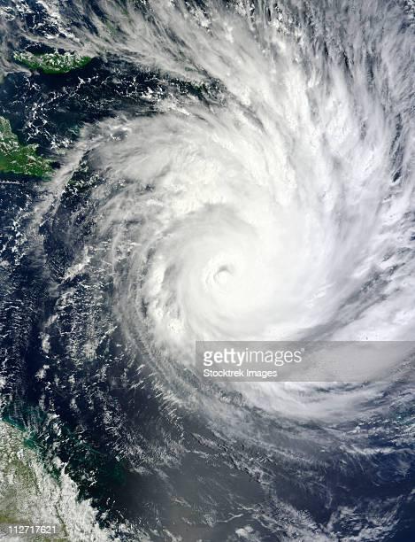 tropical cyclone yasi - ソロモン諸島 ストックフォトと画像