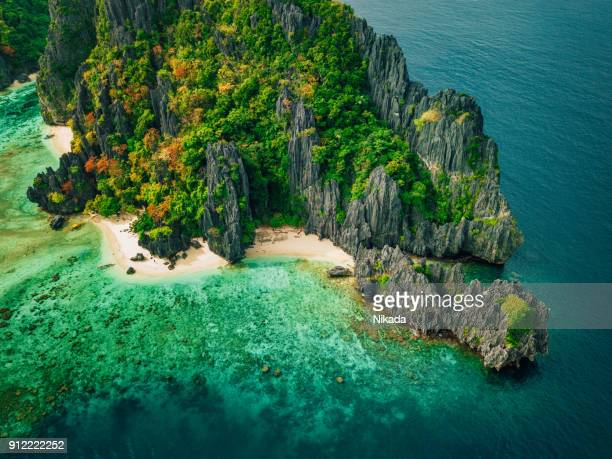 tropical island with rocks, palawan, philippines - el nido stock pictures, royalty-free photos & images