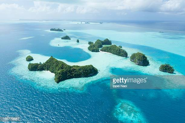 tropical islands - pacific islands stock pictures, royalty-free photos & images