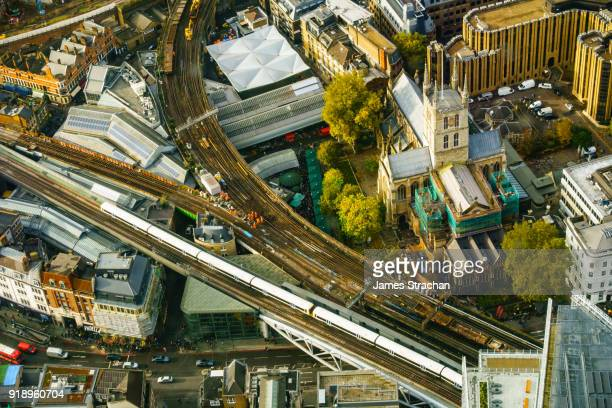 trouble on the line: aerial view of rail workers at work on the railway line by southwark cathedral, london, uk - james strachan stock pictures, royalty-free photos & images