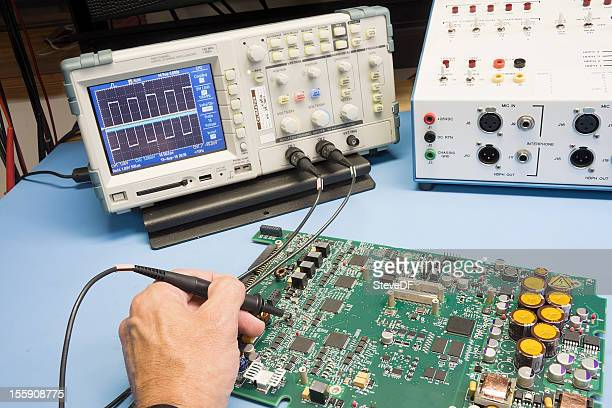 troubleshooting electronic circuit - oscilloscope stock pictures, royalty-free photos & images