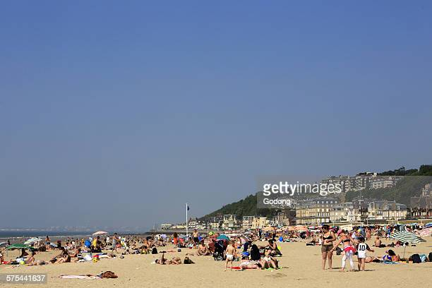 trouville beach - trouville sur mer stock pictures, royalty-free photos & images
