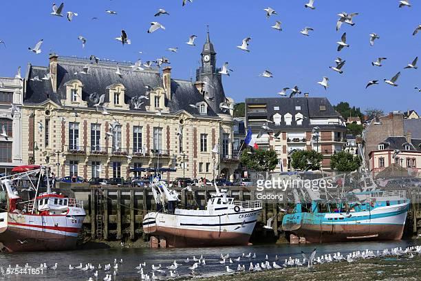 trouville harbour - trouville sur mer stock pictures, royalty-free photos & images