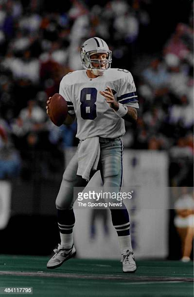 Troy Aikman of the Dallas Cowboys throws a pass circa 1990s