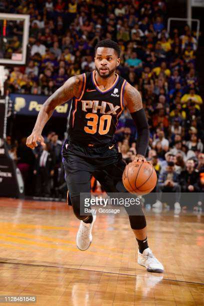 Troy Daniels of the Phoenix Suns dribbles the ball during the game against the Los Angeles Lakers on March 2 2019 at Talking Stick Resort Arena in...
