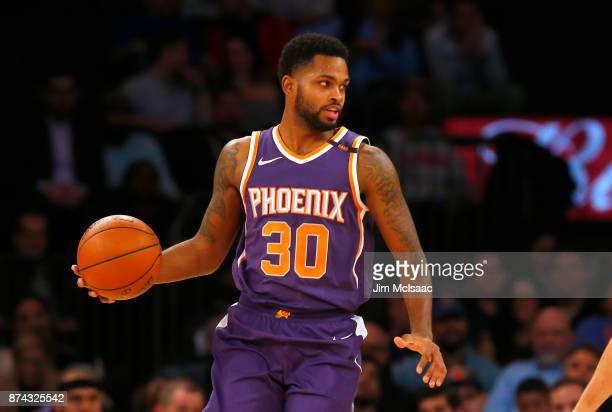 Troy Daniels of the Phoenix Suns in action against the New York Knicks at Madison Square Garden on November 3 2017 in New York City The Knicks...
