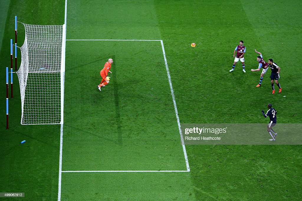 Troy Deeney of Watford scores their third goal during the Barclays Premier League match between Aston Villa and Watford at Villa Park on November 28, 2015 in Birmingham, England.