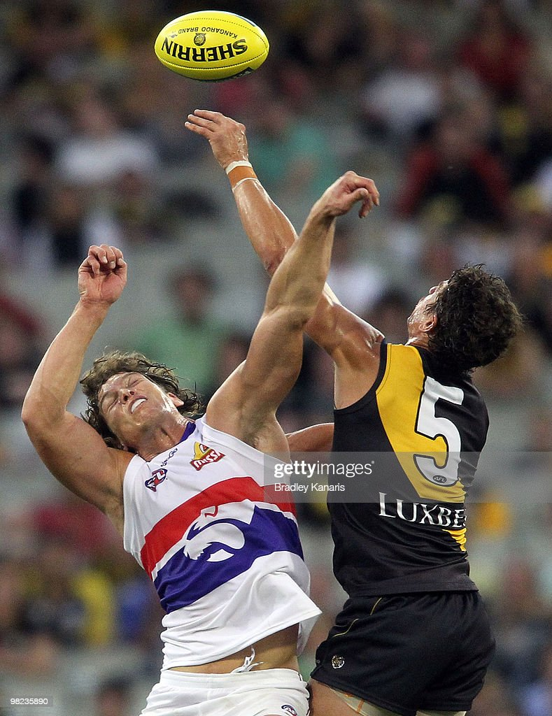AFL Rd 2 - Tigers v Bulldogs