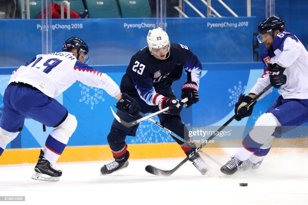 Ice Hockey - Winter Olympics Day 7 : News Photo