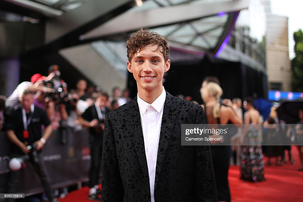 30th Annual ARIA Awards 2016 - Arrivals