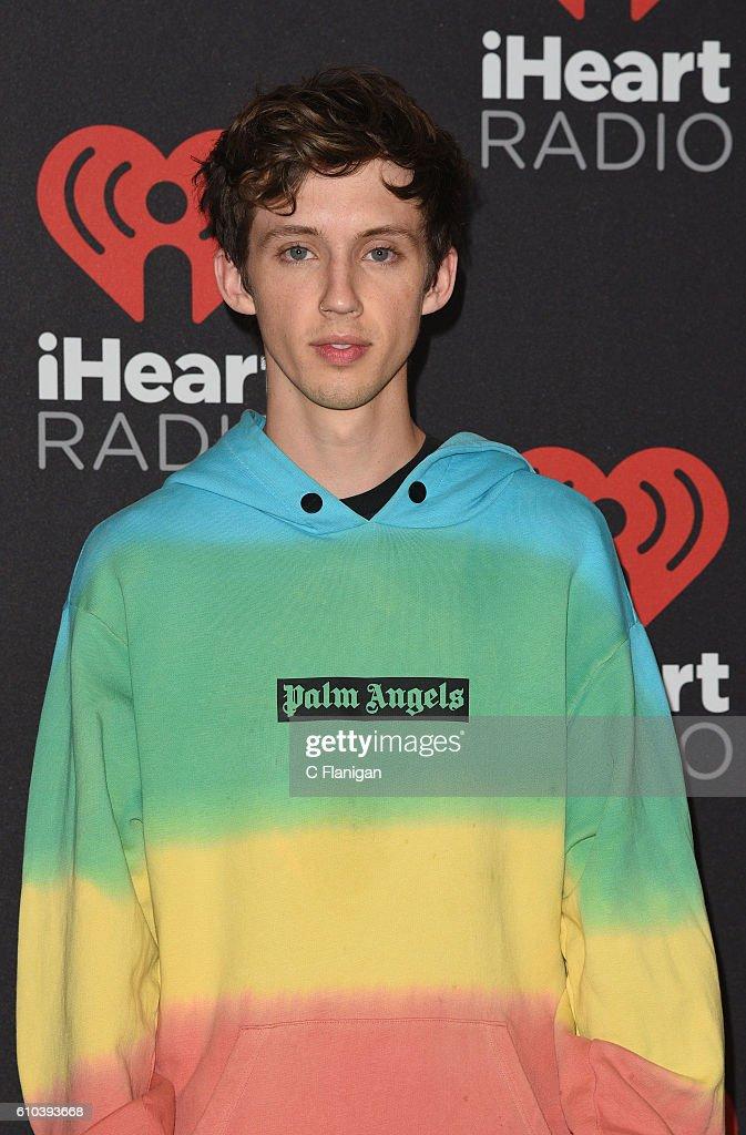 2016 iHeartRadio Music Festival - Night 2 : News Photo