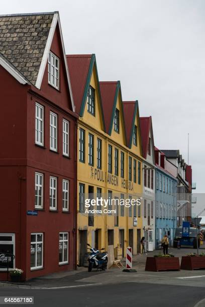 tórshavn, faroe islands, denmark, europe - torshavn - fotografias e filmes do acervo
