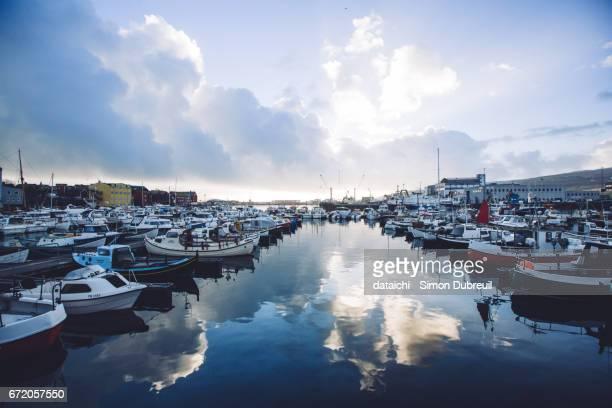 tórshavn harbor - torshavn stock pictures, royalty-free photos & images