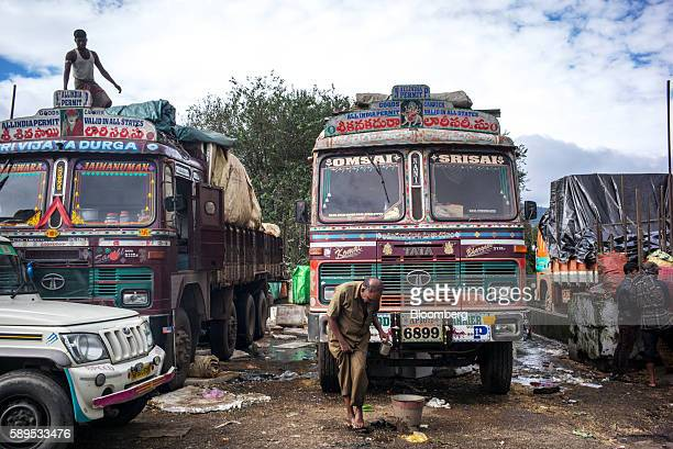 60 Top Indian Truck Pictures, Photos and Images - Getty Images