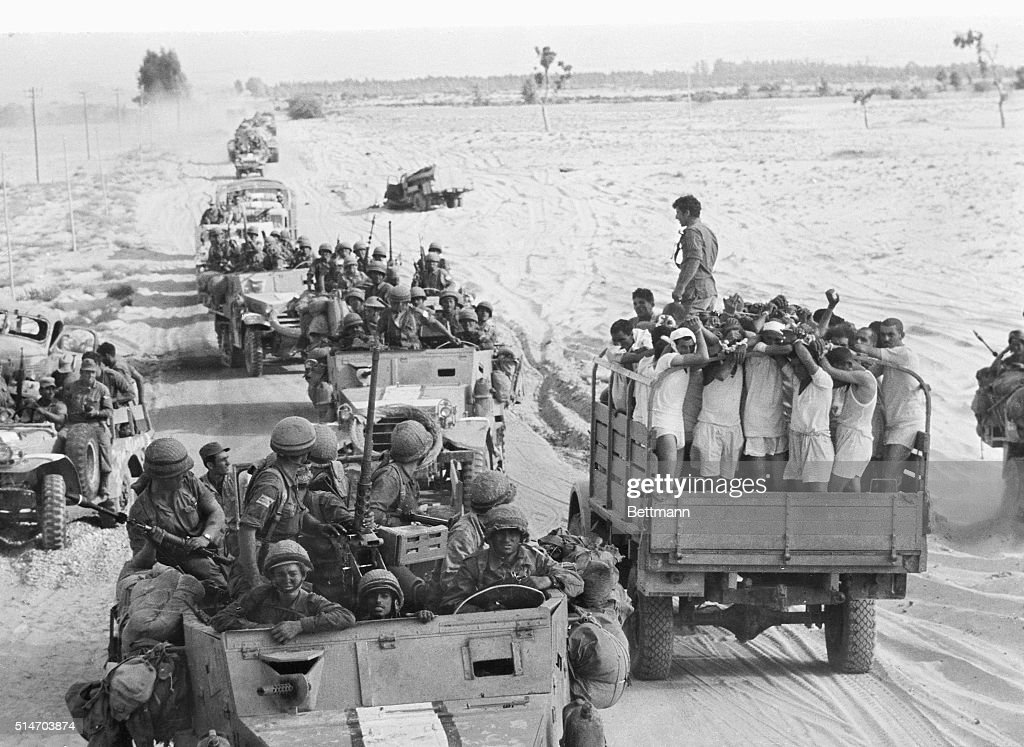 Egyptian Prisoners in the Six-Day War : News Photo