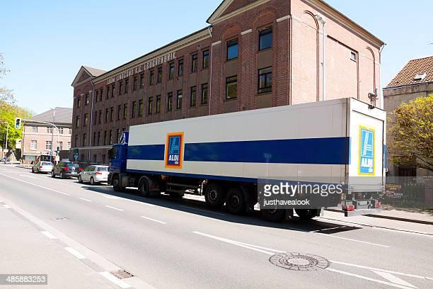 Truck von Aldi Süd
