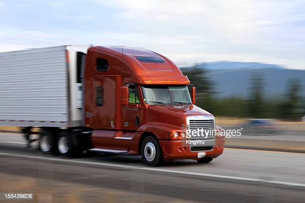 Camião na Auto-Estrada