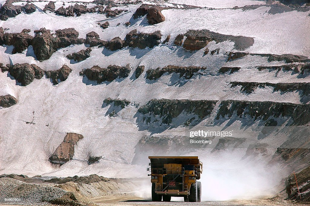 A truck transports copper at the Anglo American PLC Los Bron : News Photo