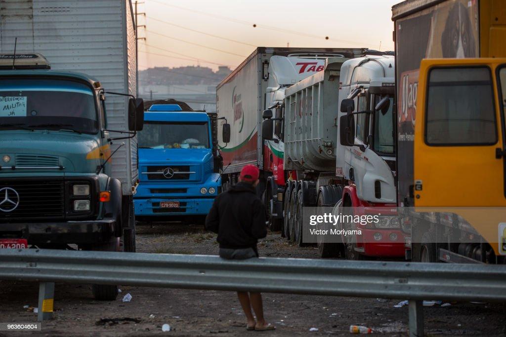 Truckers Strike Paralyzes Brazil's Economy : News Photo