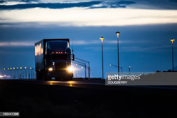 trucking industry - night stockfoto's en -beelden