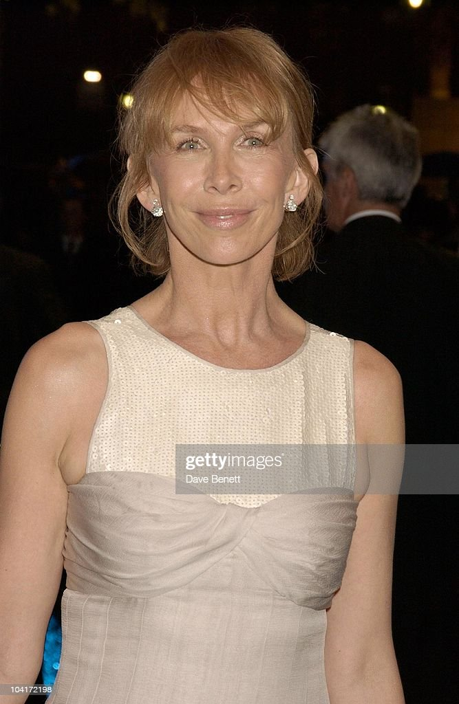 Trudie Styler, 'Master And Commander: The Far Side Of The World' Royal Premiere At The Odeon Leicester Square, London