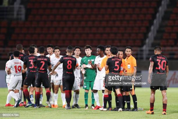 True Bangkok United player and Chonburi FC player shake their hand after the Thai League 1 match between True Bangkok United and Chonburi FC at True...