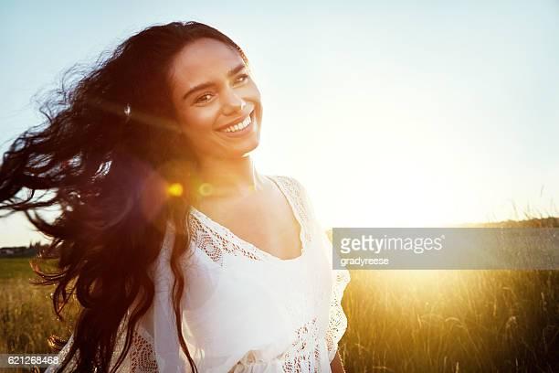 verdadeira beleza vem de dentro  - cabelo preto - fotografias e filmes do acervo