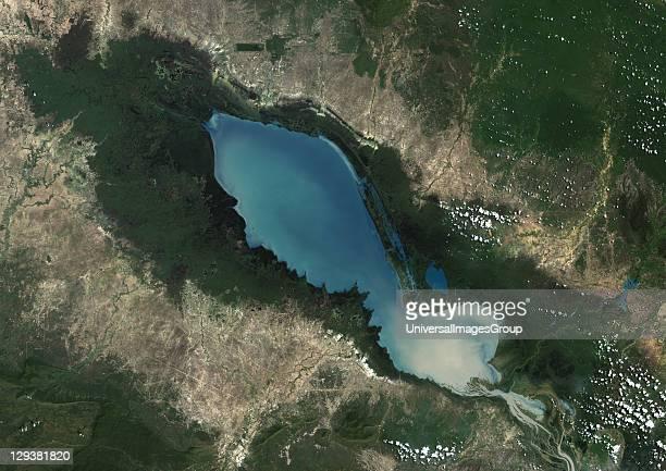 True colour satellite image of TonlT Sap Lake and its floodplain in Cambodia Composite image using LANDSAT 7 data Tonle Sap Lake Cambodia True Colour...