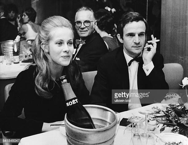 Truffaut Francois *Regisseur Frankreich mit Claude Jade 1977