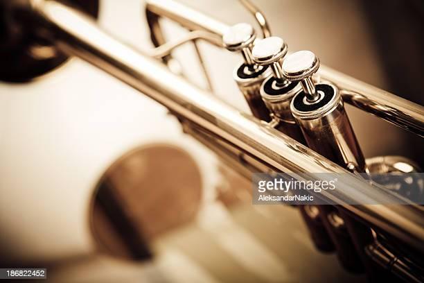 トランペット - トランペット奏者 ストックフォトと画像