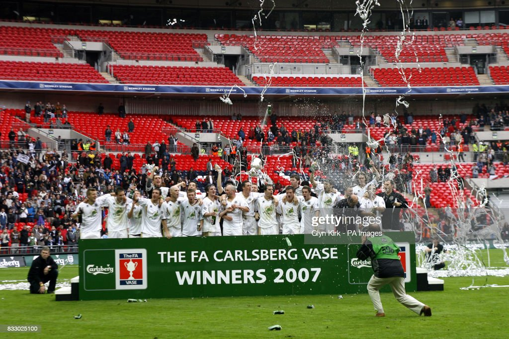 Truro City Players Celebrate Winning The Fa Vase Trophy Final News