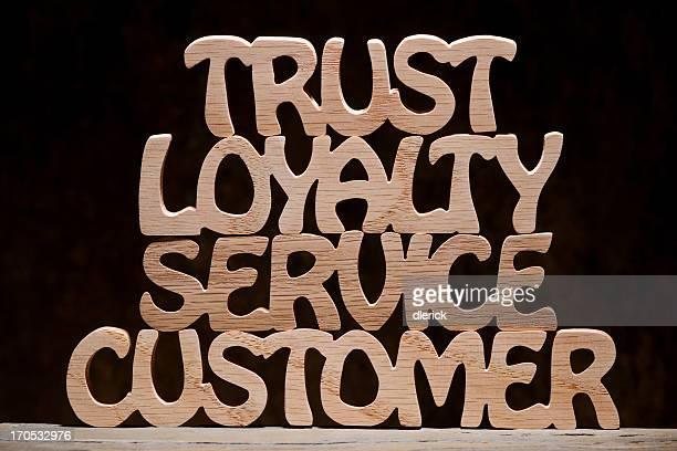 Confiar lealdade serviço de atendimento ao cliente, madeira letra palavra