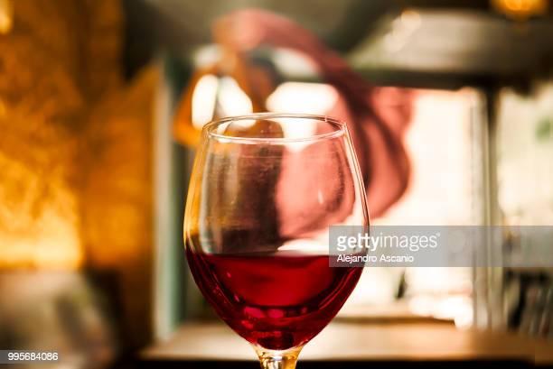 trust me, you can dance (wine) - alejandro ascanio fotografías e imágenes de stock