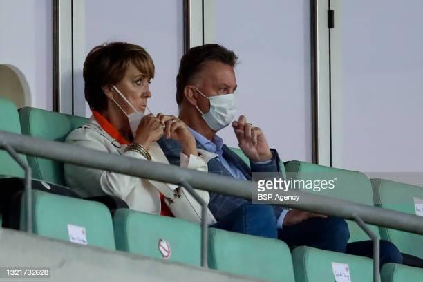 Truus van Gaal and Louis van Gaal during the International Friendly match between Netherlands and Scotland at Algarve Stadium on June 2, 2021 in...