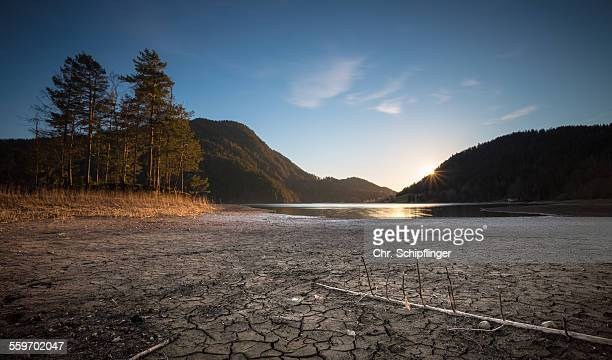 try lake - lake bed imagens e fotografias de stock