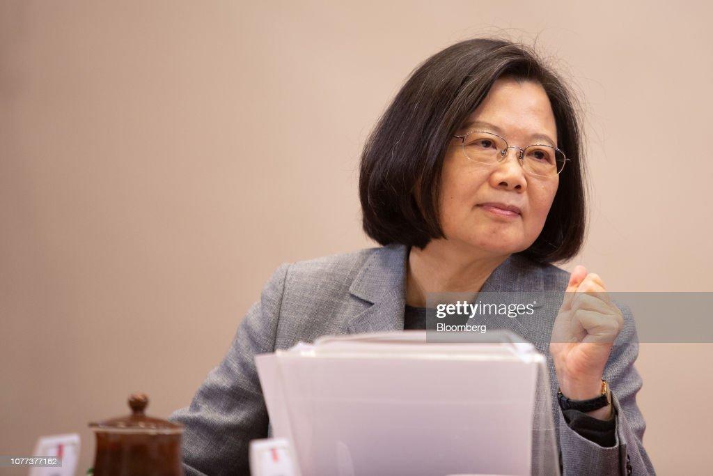 Taiwanese President Tsai Ing-wen News Conference : Nachrichtenfoto