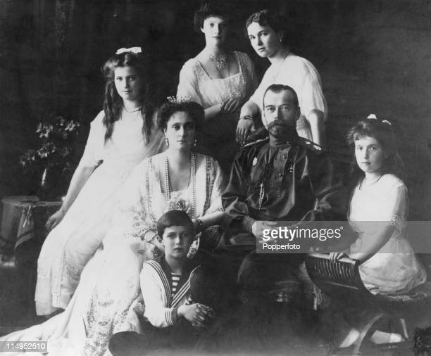 Tsar Nicholas II and Alexandra Feodorovna of Russia with their children Olga Tatiana Maria Anastasia and Alexei circa 1914