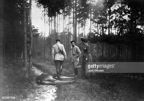 Tsar Nicholas II Romanov of Russia and Empress Alexandra Feodorovna Romanova during a hunting expedition in the Bialowieza Forest. Russian Empire,...