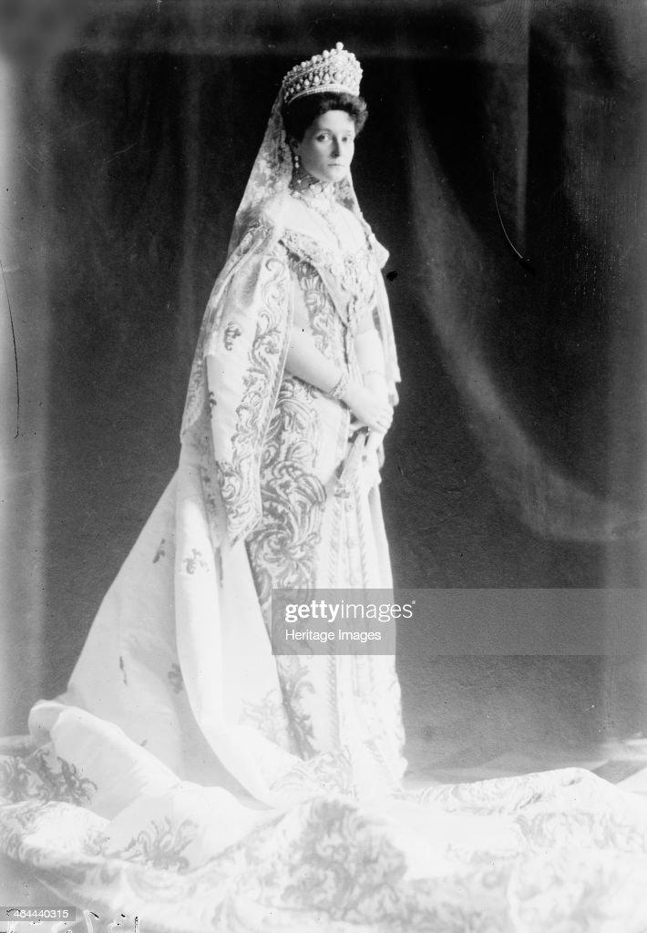 Tsarina Alexandra of Russia, early 20th century. Artist: Anon : News Photo