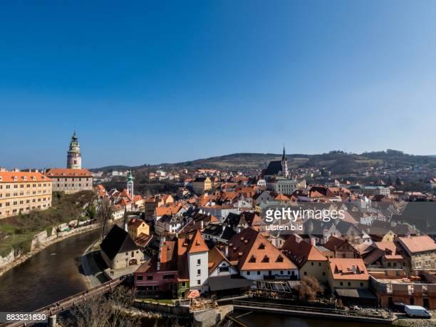 Tschechien Krumau Unesco Weltkulturerbe Cesky Krumlov Blick vom Schloss auf die Stadt