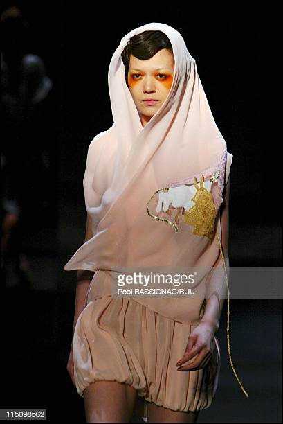Tsumori Chisato spring-summer 2004 ready-to-wear collection in Paris, France on October 13, 2003.