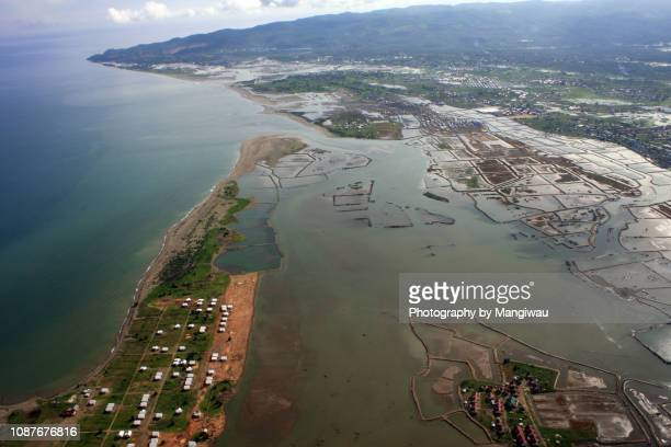 tsunami coastline - barrier_islands stock pictures, royalty-free photos & images