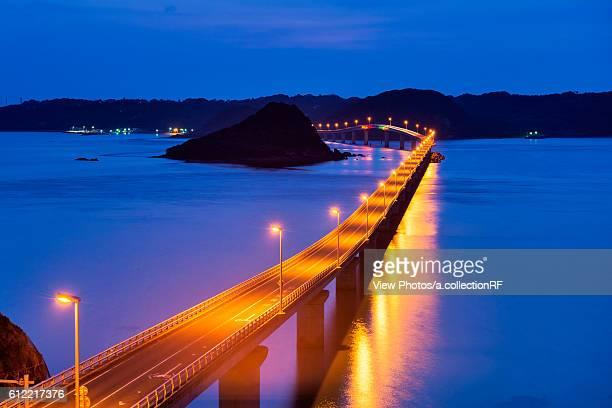 tsunoshima bridge at night - 山口県 ストックフォトと画像