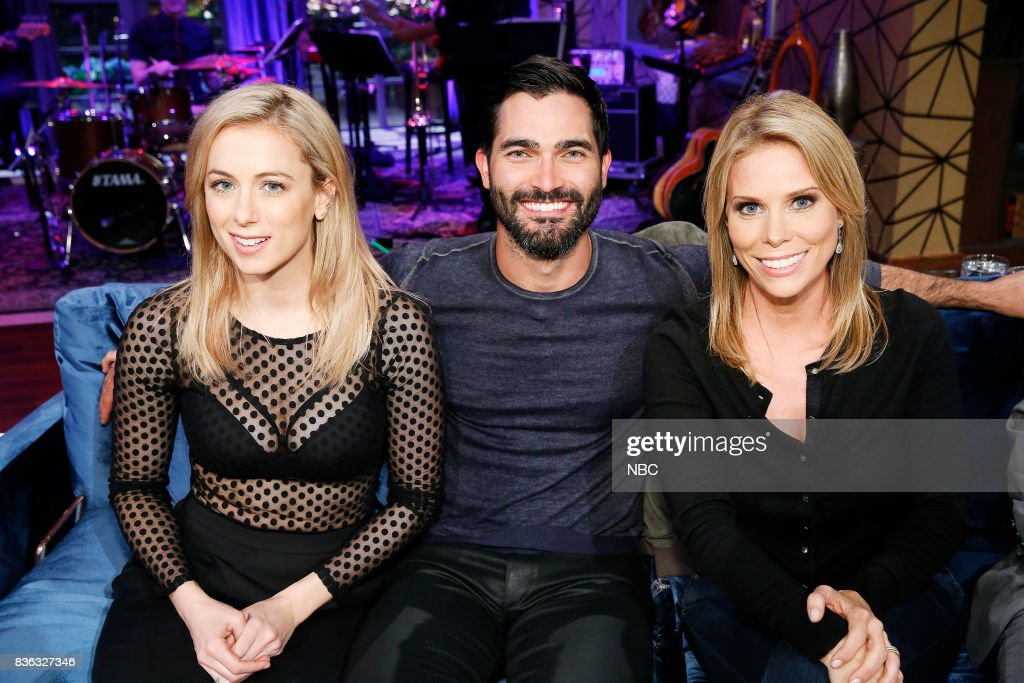 NIGHT -- 'TSuper Smashed Game Night' Episode 506 -- Pictured: (l-r) Iliza Shlesinger, Tyler Hoechlin, Cheryl Hines --