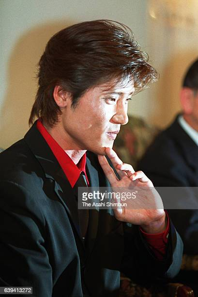 Tsuyoshi Shinjo of Hanshin Tigers attends a press conference announcing he is joining the New York Mets on December 11 2000 in Osaka Japan
