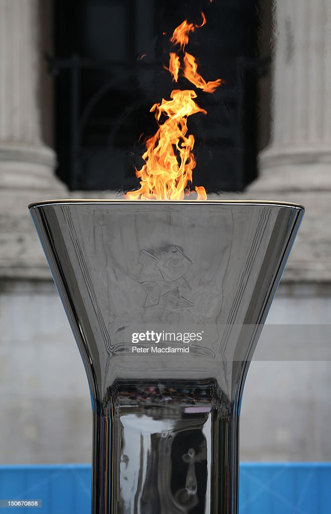Tthe Olympic cauldron is lit for the Paralympic Games in Trafalgar Square on August 24, 2012 in London, England. The London 2012 Paralympic Games open on August 29, 2012 for 12 days.