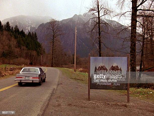 TThe title scene from the pilot episode of the television series 'Twin Peaks' originally broadcast on April 8 1990 It was filmed on Reinig Road in...