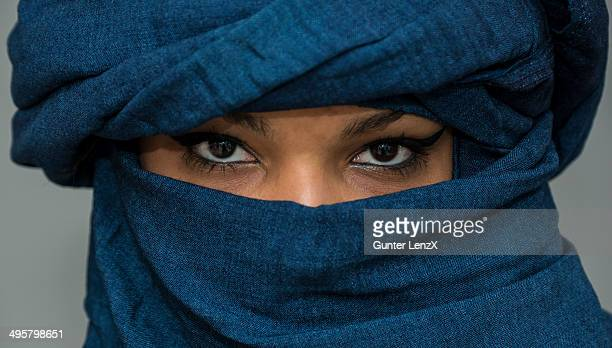 Tuareg girl, Targia, veiled with Chech fabrics, eyes, Algeria